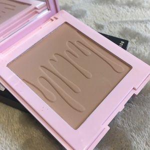Kylie Cosmetics Bronzer in Khaki